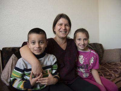 Porodica iz Obrenovca čija su deca bila u riziku od izmeštanja, pobedila u borbi protiv svih teškoća